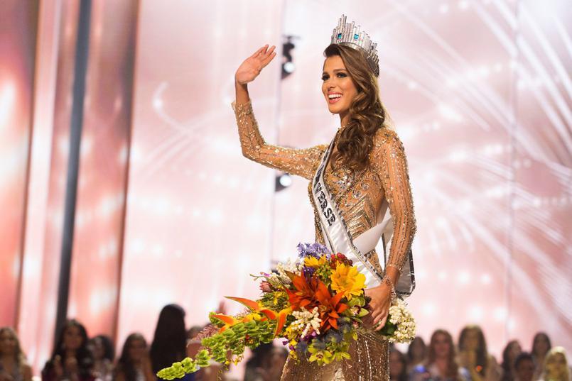 Iris Mittenaere remporte le titre de Miss Univers 2017