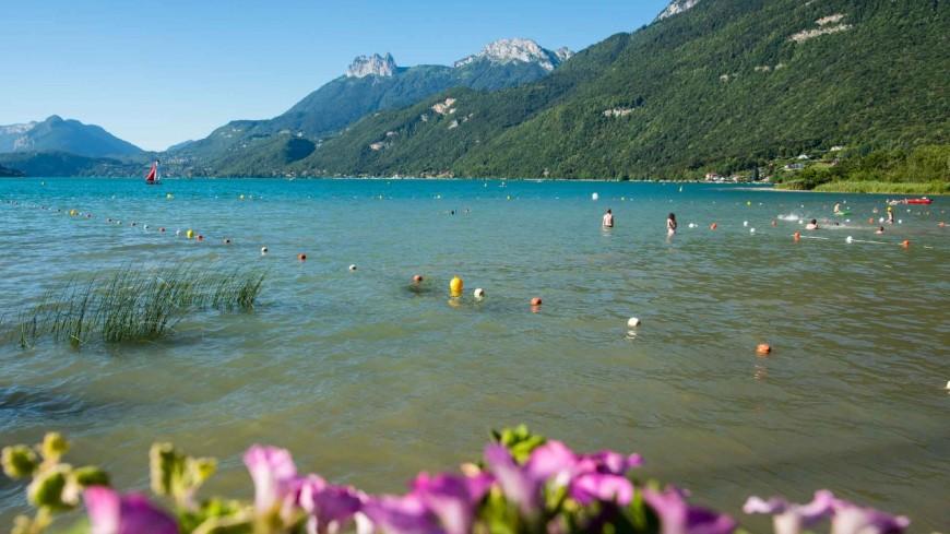 La baignade est interdite à Doussard, sur le lac d'Annecy
