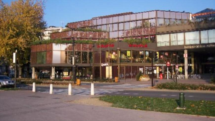Annecy : le kiosque de Bonlieu disparaît