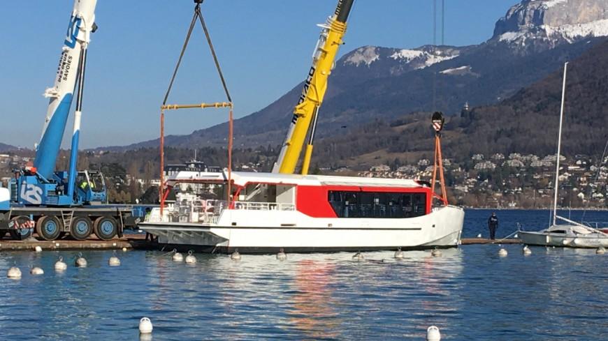 L'Amiral s'installe dans le lac d'Annecy