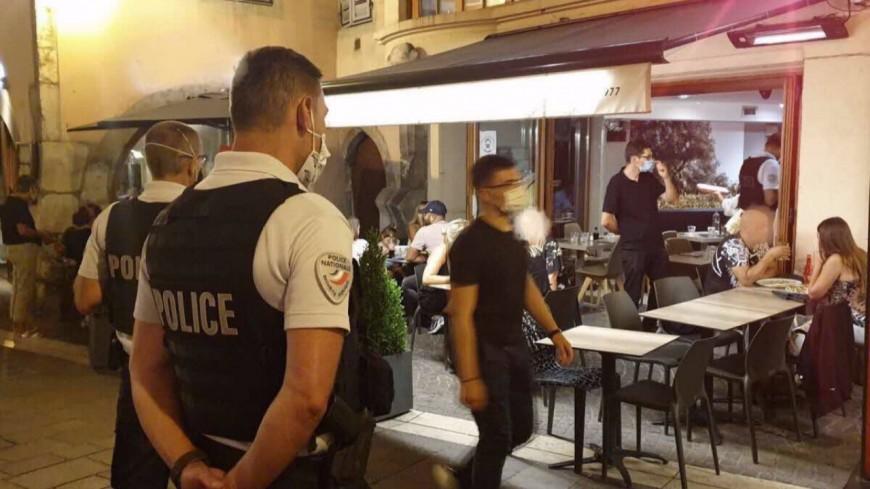 À Annecy, des restaurateurs verbalisés pour non-port du masque