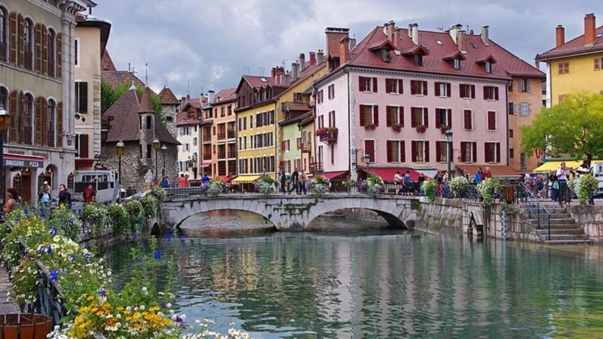 Le port du masque s'étend à Annecy