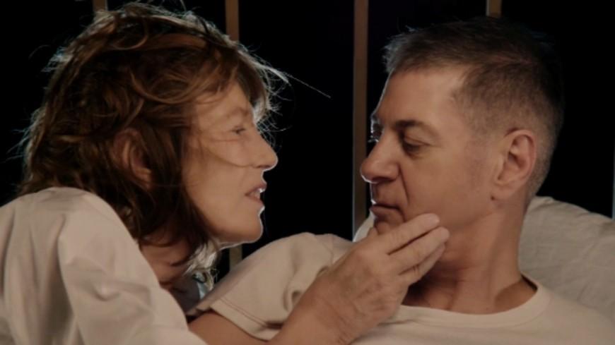 """Jane Birkin et Etienne Daho partagent le clip de """"Oh! Pardon tu dormais"""" (vidéo)"""