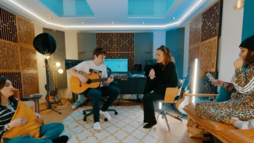 """Amel Bent, Camélia Jordana et Vitaa partagent leur reprise de """"Ma Soeur"""" (vidéo)"""
