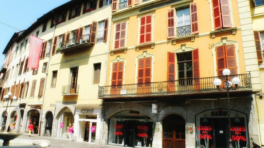 Une boîte à commerce à Chambéry