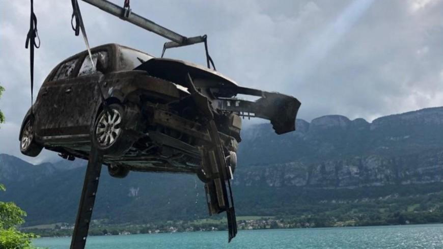 Corps dans le lac d'Annecy : la voiture sortie