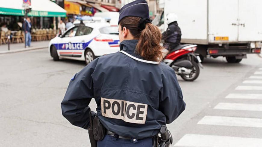 Un camion en mauvaise posture à Aix-les-Bains