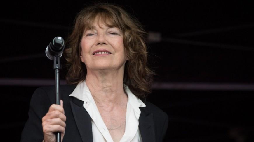 Jane Birkin - La chanteuse de 74 ans victime d'un AVC