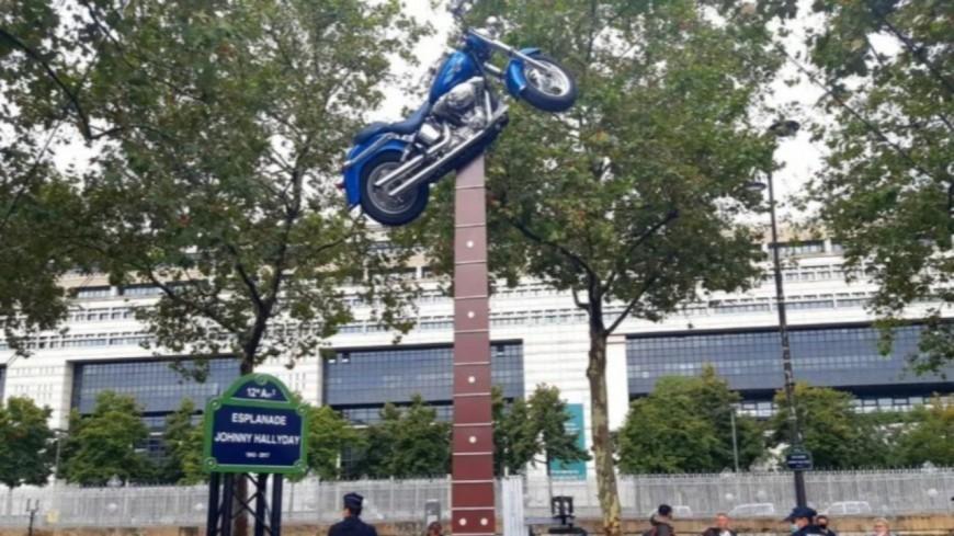 Un monument en l'honneur de Johnny Hallyday inauguré !