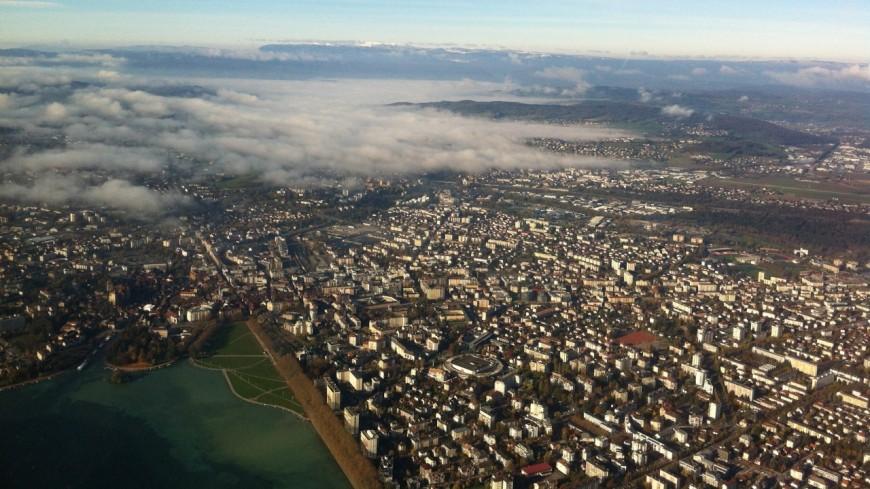 Migrants : Annecy marche aux flambeaux