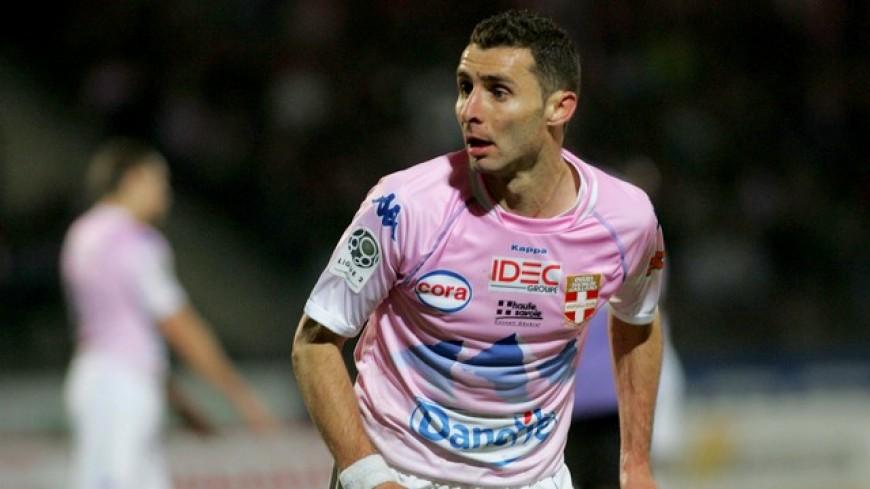 Cédric Barbosa reste au FC Annecy