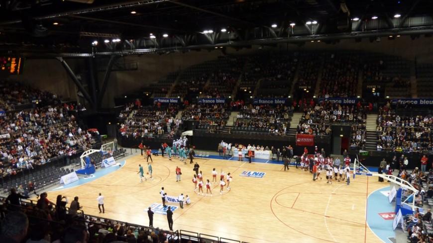 Basket : Victoire de l'AMSB contre Poitiers