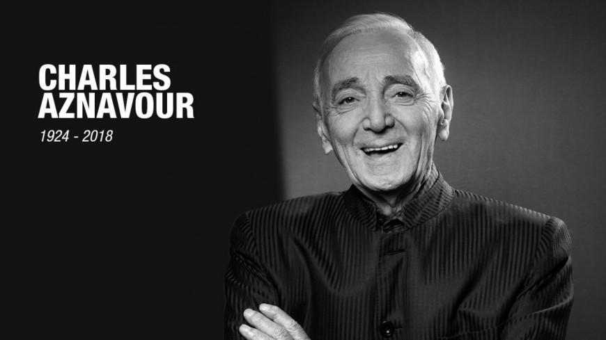 L'hommage national de Charles Aznavour aux Invalides