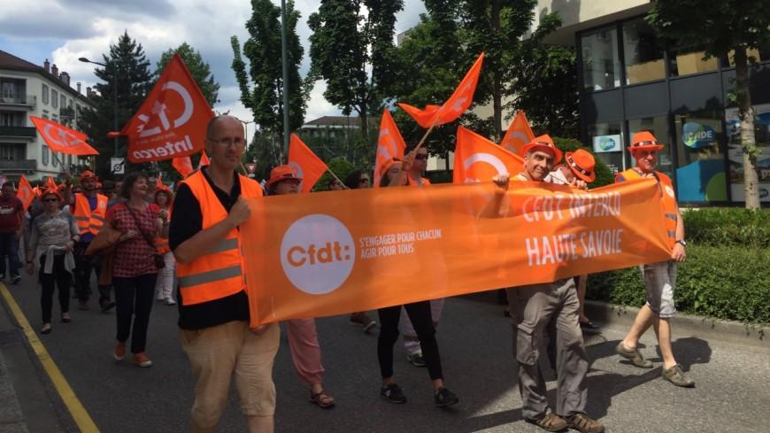 Une manifestation devant la mairie d'Annecy